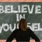 Jak zwiększyć pewność siebie w 2 minuty?